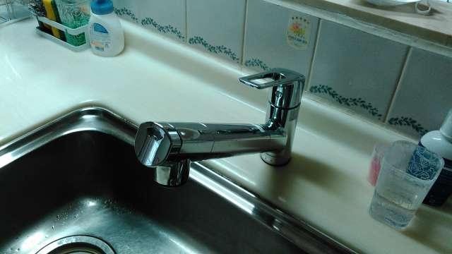 「浄水器、シャワーホース付き」高機能な水栓金具へ交換