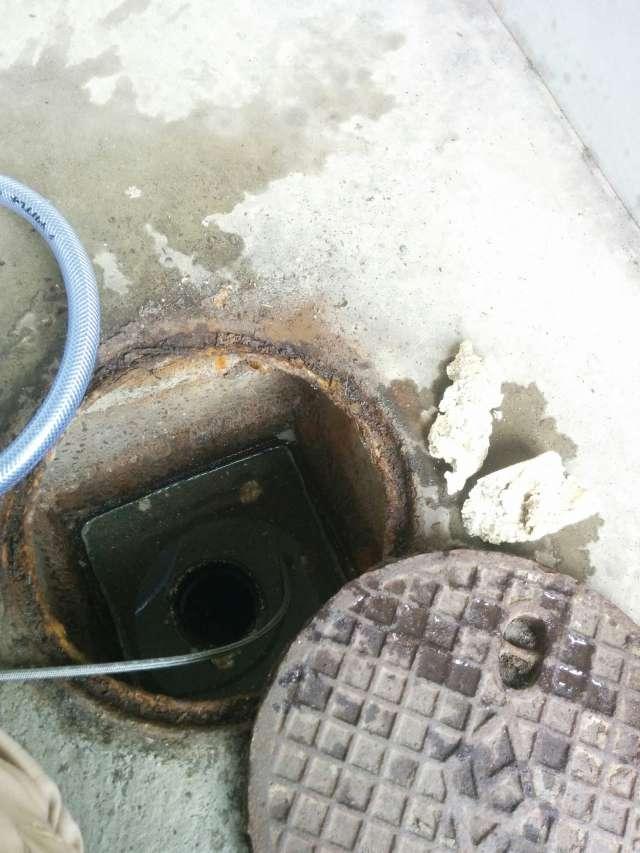 配水管の詰まり高圧洗浄