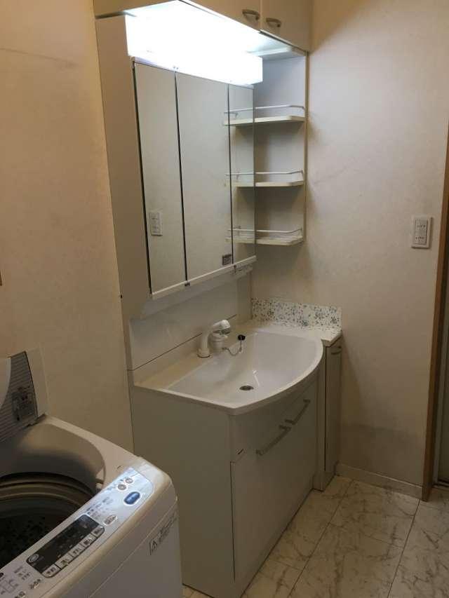 洗面化粧台「パナソニック」Mライン三面鏡二枚扉へ交換