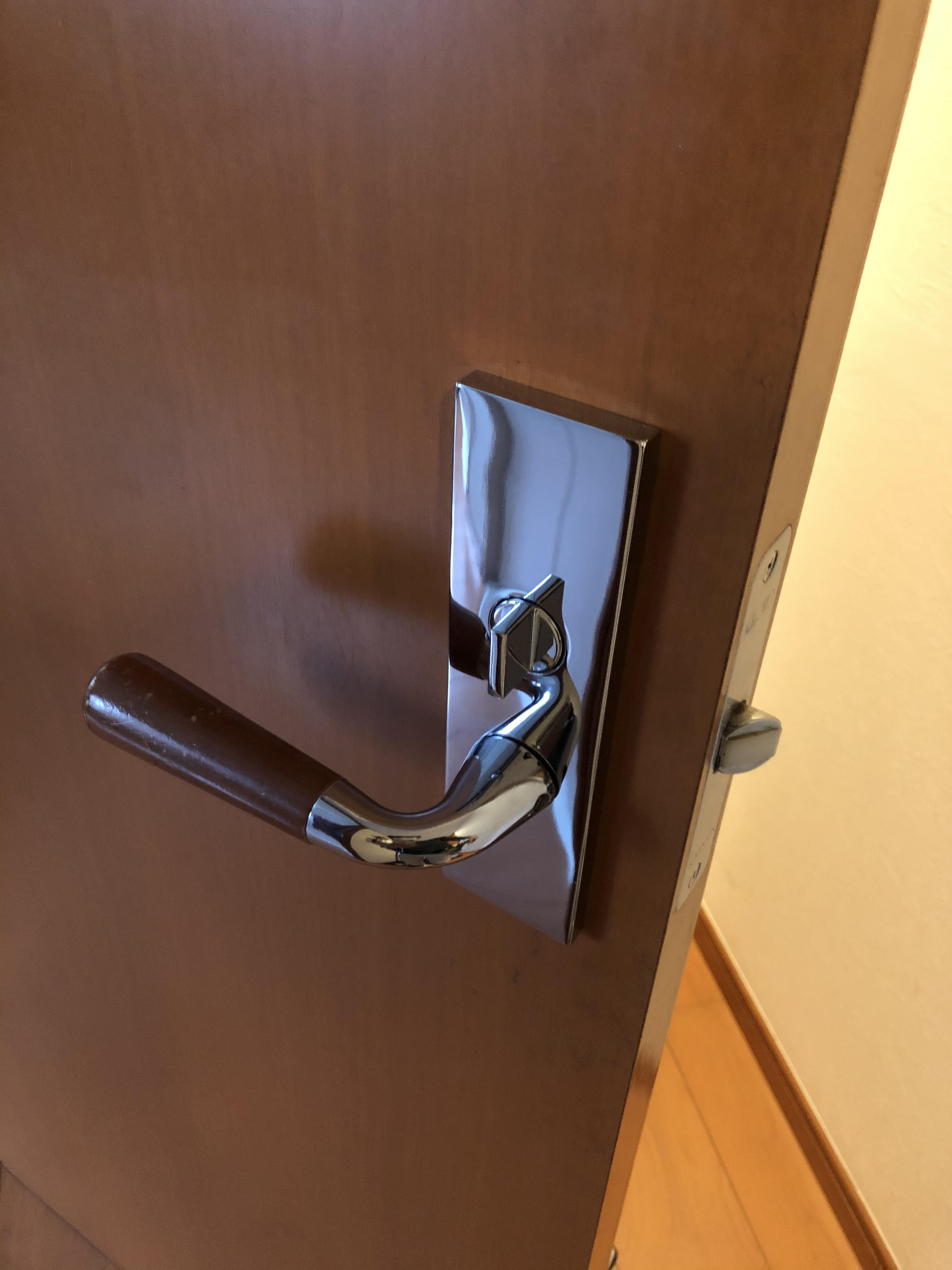 外側内側鍵付ドアノブ交換